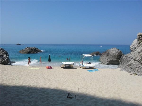 Pláž přístupná jen z moře